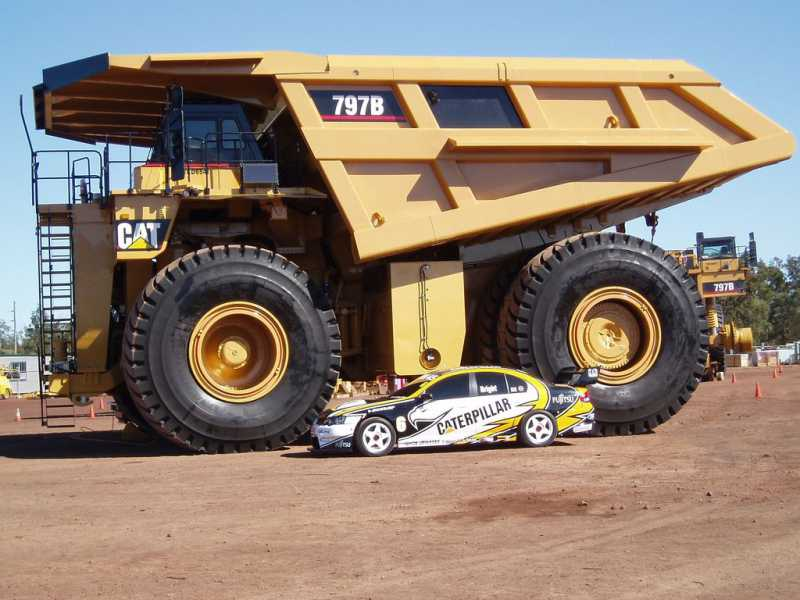 world largest haul truck caterpillar 797 aermech. Black Bedroom Furniture Sets. Home Design Ideas