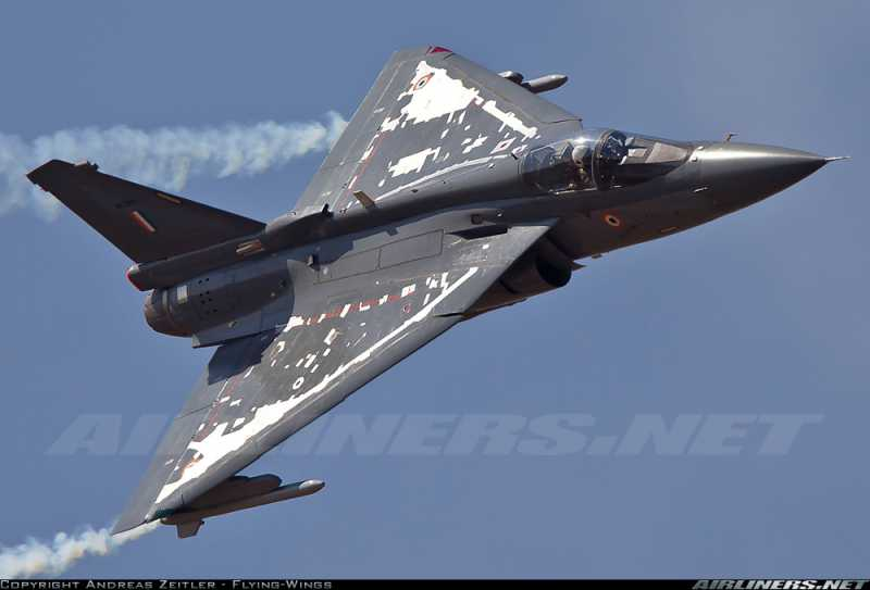 Su-30MKI Vs  LCA Tejas-Two Best Fighters in Indian Airforce